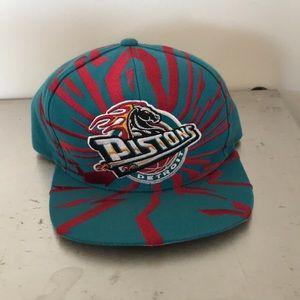 Vintage Detroit Pistons SnapBack hat teal rare